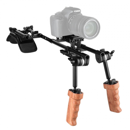 Wooden Handgrip Shoulder Rig